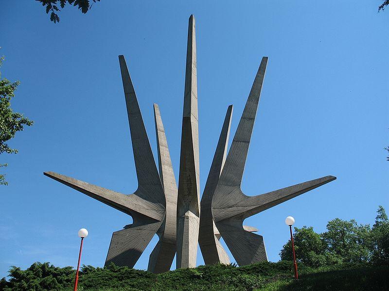 6 Pomnik pami©ci partyzant¢w z II wojny òwiatowej,Kosmaj,Serbia,fot.fot.CrniBombarder!!!,zdjecie w domenie publicznej