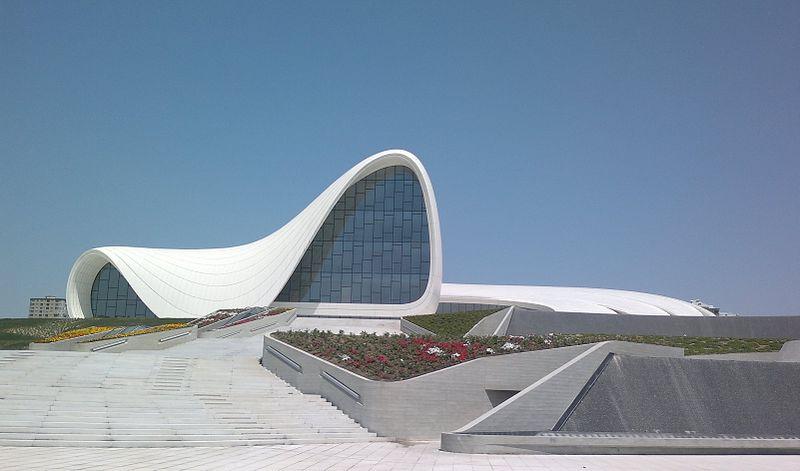 Heydar Aliyev Center_Baku,Azerbejdæan_Zaha Hadid_fot.Interfase_domena publiczna