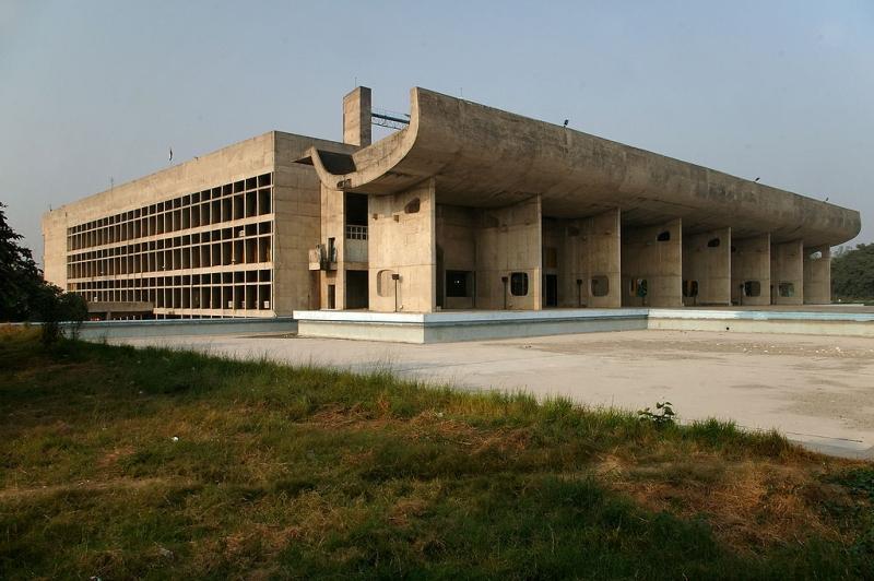 LeCorbusier_Czandigarh_siedziba Zgromadzenia_fot.Dave Morris_CC BY-SA 2.0